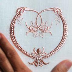Fleur de Lis Heart - machine embroidery design. Beautiful