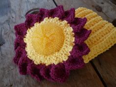 Sunflower Scrubbie / Dishcloth Gift Set Mesh by Wearehomecrafting, $10.00