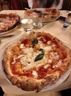 [I ATE] Pizza Margarita from Antica Pizzeria Brandi Food Recipes Think Food, I Love Food, Good Food, Yummy Food, Tasty, Food Goals, Cafe Food, Aesthetic Food, Food Cravings