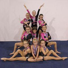 Cheerleading Poses, Cheer Poses, Gymnastics Poses, Gymnastics Team, Gymnastics Pictures, Dance Team Pictures, Dance Picture Poses, Cheer Team Pictures, Dance Poses