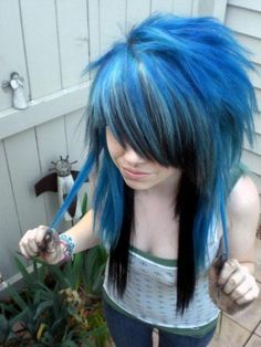 I think I am falling into the emo style...because ONCE AGAIN, I like this