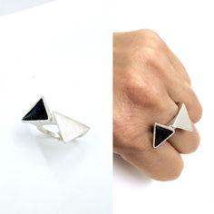 Triangular, 2015. Ring, silver925, enamel.