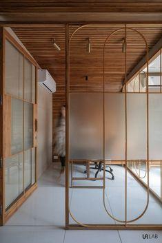 Glass Partition Designs, Glass Design, Door Design, Wall Design, Office Interior Design, Office Interiors, Interior And Exterior, Partition Door, Office Partitions