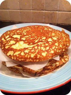 I går lavede jeg en ny portion af de lækre melfri pandekager, som jeg godt kan afsløre er blevet en fast del af mit repertoire. Så gode er de! Jeg havde ikke nogen økocitron, så i stedet lavede jeg en variant med appelsin og vanilje. Og lidt ekstra protein. Bare fordi.Og de blev temmelig vellykkede,Læs mere