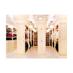 walk in closet | Tumblr ❤ liked on Polyvore featuring house, pictures, rooms, closet and home
