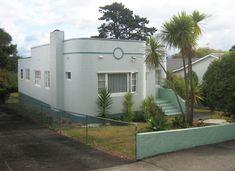 Art Deco bungalow in Auckland, NZ