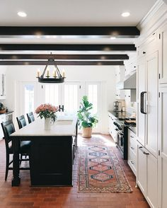 5 Most Simple Ideas Can Change Your Life: Kitchen Remodel Butcher Block Wooden Countertops galley kitchen remodel projects.Old Kitchen Remodel Beautiful mid century kitchen remodel ceilings.Old Kitchen Remodel Beautiful. Interior Design Kitchen, Kitchen Decor, 70s Kitchen, Open Kitchen, Spanish Kitchen, Kitchen Runner, Kitchen Post, Narrow Kitchen, Cheap Kitchen