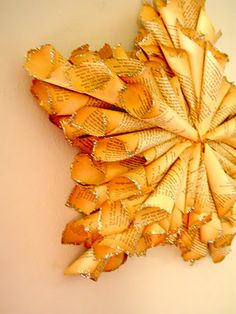 Bookpage star wreath- love the look, hate the idea of tearing apart a book! I guess I do have some that are falling apart...