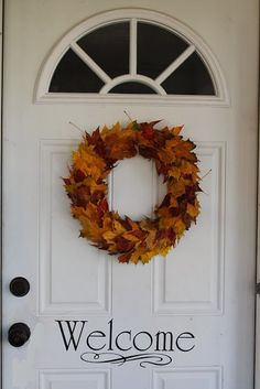 Simple Fall Leaf Wreath. I may like this one better than any I have ever seen!  Simple, classic and all the colors we admire on autumn trees.