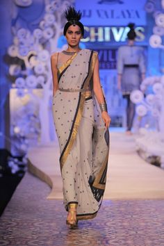 Asian Wedding Ideas - A UK Asian Wedding Blog: Wills Lifestyle India Fashion Week - Spring Summer 11