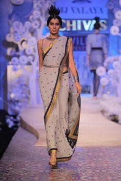 Asian Wedding Ideas - A UK Asian Wedding Blog: Wills Lifestyle India Fashion Week - Spring Summer 11