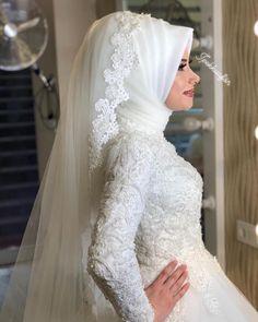 Hijabi Wedding, Muslim Brides, Pakistani Wedding Dresses, Bridal Dresses, Bridesmaid Dresses, Muslim Couples, Hijab Dress Party, Hijab Style Dress, Hijab Bride