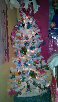 Frozen theme tree 2014