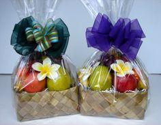 43 Ideas Fruit Basket Gift Ideas Wedding For 2019 43 Ideas Fruit Basket Gift Ideas Wedding For Fruit Hampers, Gift Hampers, Diy Gift Baskets, Basket Gift, Fruit Cups, Fruit Fruit, Fruit Logo, Diy Cadeau, Fruit Packaging