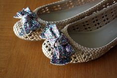 restyle: glittered-bow ballet flats | A Pretty Penny