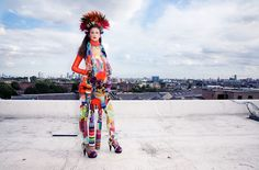 FASHION156 / THE MAXIMALISM ISSUE 2009 / WOMEN'S EDITORIAL SHOT BY HOLLY FALCONER