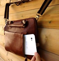 100% Leather Men Woman FIT Ipad Laptop 3 2 Shoulder « Clothing Impulse Leather Book Bag, Leather Bag Design, Leather Books, Leather Men, Puppy Backpack, Backpack Bags, Animal Bag, Messenger Bag Men, Mk Bags