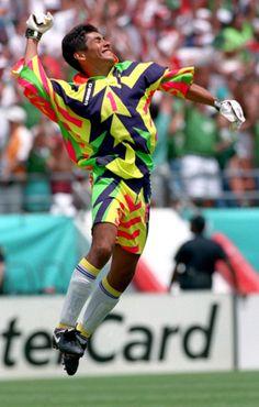 326b9e2c5 Jorge Campos had the tightest goalie jerseys soccer s ever seen