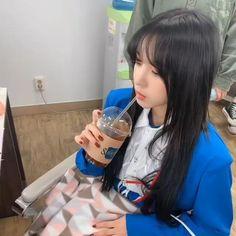Ulzzang Korean Girl, Cute Korean Girl, Pretty Korean Girls, Seulgi, Kpop Gifs, I Love You Baby, Film Aesthetic, Cute Icons, Dance Videos