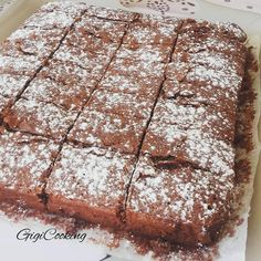 Je vous livre aujourd'hui la recette de ce délicieux fondant au chocolat très très moelleux, le meilleur ( paroles de gourmands). Il vous faut : 200 g de chocolat noir 200 g de beurre 150 g de sucre en poudre 80 g de farine 4 oeufs Faire fondre le chocolat...