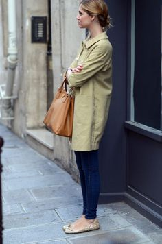 nails, bag, trench, skinnies, mouse flats-via katie armour