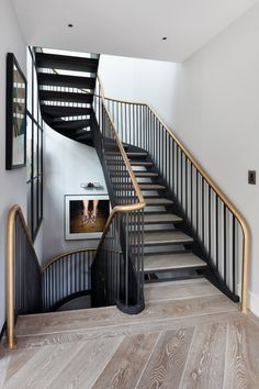 〚 The second light and sophisticated style: private house in London 〛 ◾ Photos ◾Ideas◾ Design Loft Stairs, Staircase Railings, Stairways, Staircase Ideas, House Stairs, Hallway Ideas, Architecture Details, Interior Architecture, Interior And Exterior