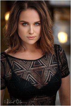 Michelle Mueller / Actor updated her headshot with Robert Olin Studios