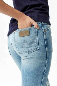 Wrangler Heritage denim – classic vintage jeans with modern style.