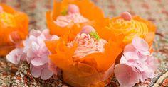 Cupcake-leivokset eli kuppikakut ovat trendikkäitä pikkuleivoksia. Kokeile näitä ihanan vaniljaisia cupcakeseja. Käytä mielikuvitustasi koristelussa!