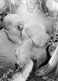 1000 Images About Hollywood Boudoir On Pinterest Jayne Mansfield Jean Harlow And Old