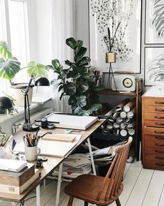 Recent home office decoracion only in zelta home design Appartement Design Studio, Studio Apartment Design, Home Office Design, Home Office Decor, Modern Office Decor, Art Studio Design, Contemporary Office, Office Designs, Contemporary Interior