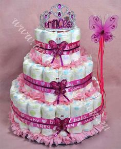 This is a cute diaper cake. Have to make it for my new niece.