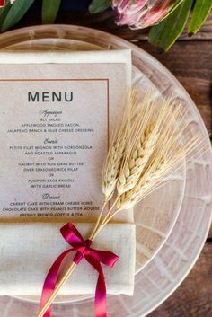 Editors' Picks: 20 Lovely Table Setting Wedding Ideas that Inspire - MODwedding