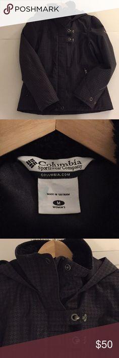 Columbia sportswear ski jacket - women's Columbia sportswear ski jacket size medium. No rips, tears or stains. Columbia Jackets & Coats