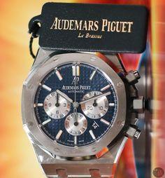 Audemars Piguet Gold, Audemars Piguet Diver, Audemars Piguet Watches, Old Watches, Watch Companies, Chronograph, Stainless Steel, Blue, Accessories