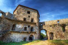 Opevnený kláštor Bzovík