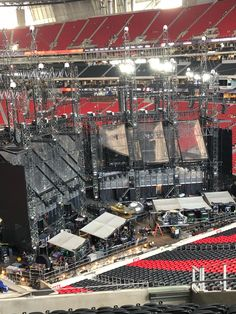behind the stage rep tour Concert Stage Design, All About Taylor Swift, Music Industry, Dream Life, Backstage, City Photo, Tours, Dreams, World