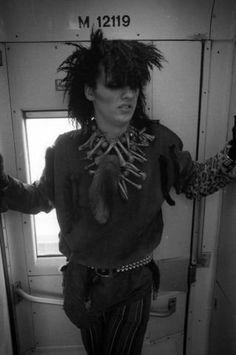 Pete Burns - Early years Pete Burns, Dead Or Alive Band, Teased Hair, Post Punk, Celebs, Celebrities, Freddie Mercury, My Favorite Music, Big Hair