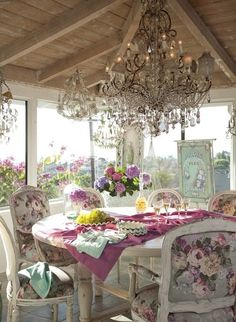 Shabby Jardin a la Francaise! See more at thefrenchinspiredroom.com