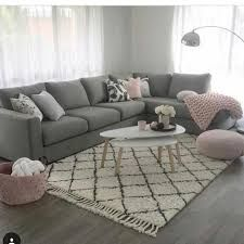 Gray and pink living room - is to me - Living rooms - # is .- Graues und rosa Wohnzimmer – ist zu mir – Living rooms – … Gray and pink living room – is to me – Living rooms … - Living Room Grey, Living Room Sofa, Living Room Interior, Apartment Living, Home And Living, Simple Living, Modern Living, Living Walls, Cozy Apartment