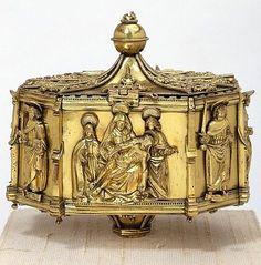 Pyx Spain ca. 1520 (collections.vam.ac.uk)