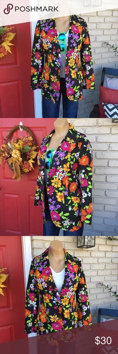 """Vintage bright floral blazer 😍😍😍 Bright colorful floral blazer. Faux pockets in front. Back vent slept. Fits like an XS/S. Super fun and unique! Great vintage condition! Shoulder to shoulder: 15.5"""" Armpit to armpit: 18"""" Waist across: 16.5"""" Length from shoulder down: 28""""                Check out all of my other listings including other unique vintage items! Vintage Jackets & Coats Blazers"""
