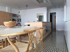 decorar los suelos Cocina Zelart 61 Cemento Portland, Kitchen Tiles, Dining Bench, Corner Desk, Furniture, Home Decor, Tiles, Tiles, Mosaics