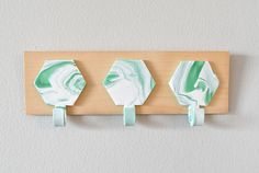 DIY Marble Hexagon geometric hooks- Perfect as a jewelry or key holder