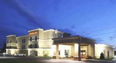 Hampton Inn Fairmont Fairmont This Fairmont, Minnesota hotel offers a free hot daily breakfast and free high-speed internet access. The Fairmont Opera House and the Fairmont Aquatic Park are a short drive from the hotel.