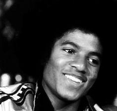 that smile was EVERYTHING! #MichaelJackson