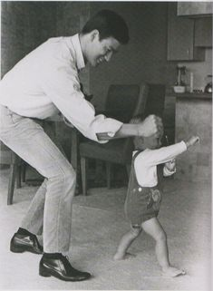 Bruce Lee teaching Brandon Lee