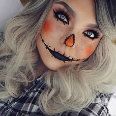 Sexy clown makeup with smexy eyes