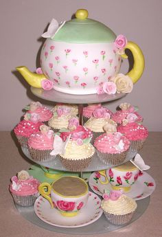 Teapot Cake & Cupcakes with roses & Butterfly's! <3