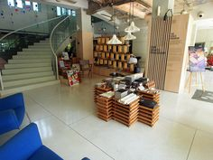 New Majestic Hotel Singapore by laperlenoire turned their lobby into a pop-up dedicated to local culture, via Flickr